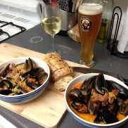 FRIDAY - Chorizo and white wine mussels